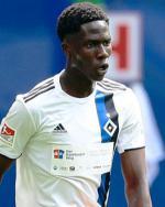 Hambourg : Deux clubs français et le Napoli à la lutte pour la révélation Amadou Onana